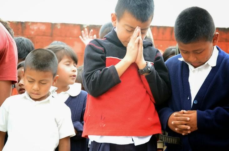 niños-orando