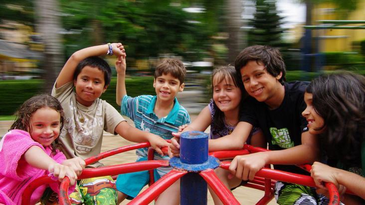 niños-parque-juegos