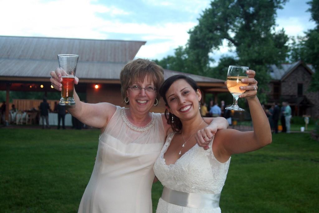 suegra-hija-mamá-abuela-boda