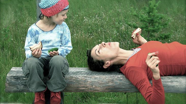 mamá-hijo-platicando