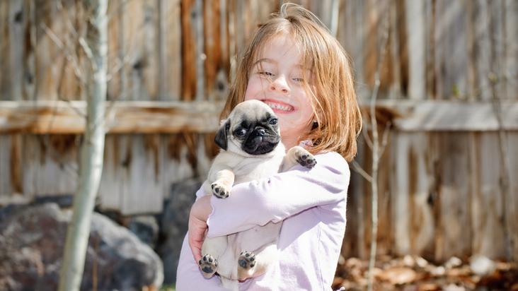 niña-mascota-perro
