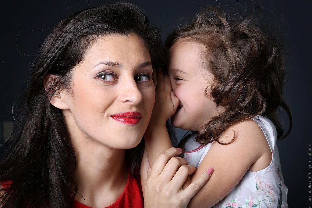 mamá-hija-feliz