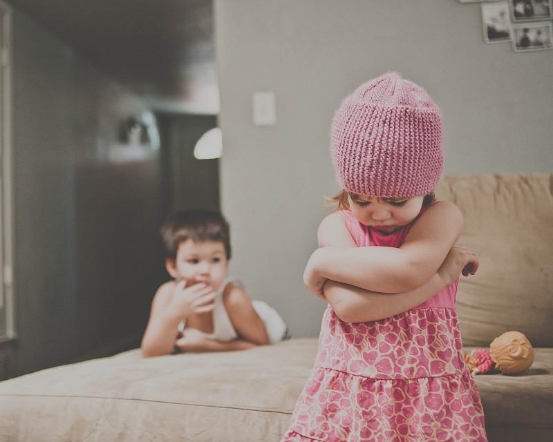 niño-niña-hermanos