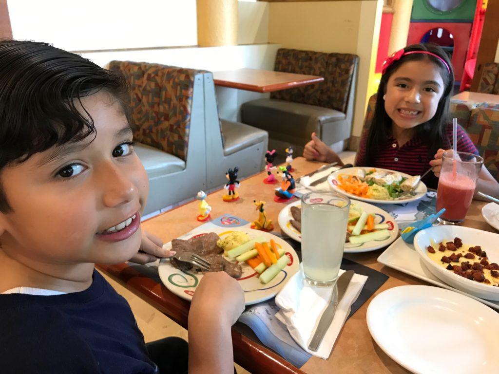 niños-restaurant-vips