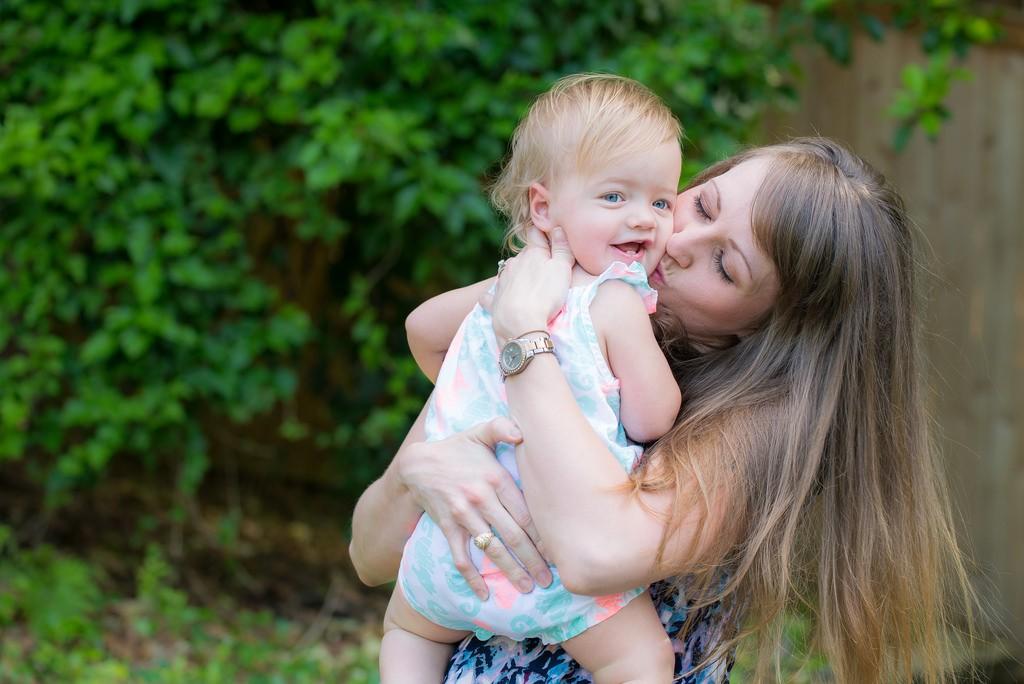 mamá-bebé-abrazo